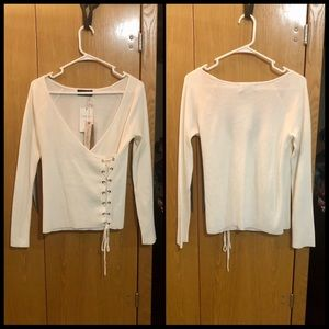 🌺 White Lace Up Sweater